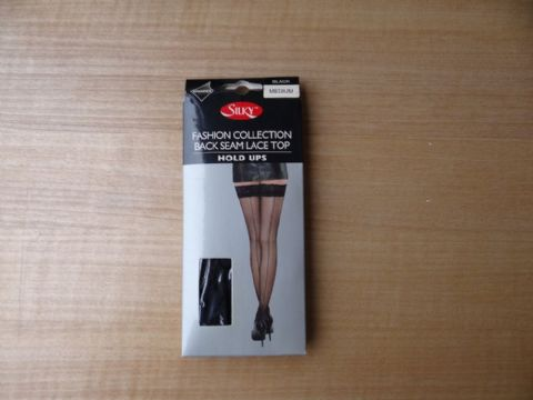 """SILKY"" FASHION COLLECTION BACK SEAM LACE TOP HOLD UPS  SIZE:- MEDIUM   COLOUR:- BLACK"